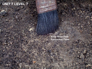 2004 © Unit 7 - Knife River Flint